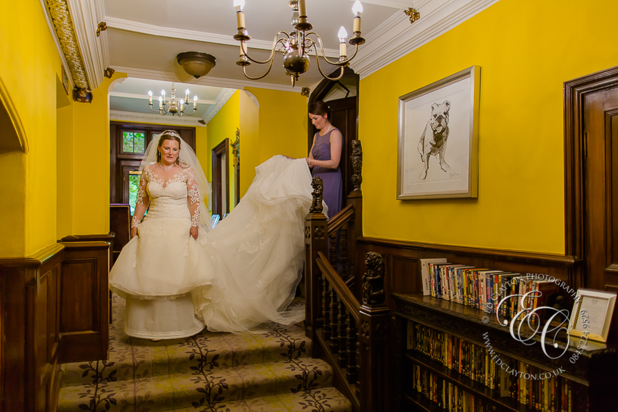Documentary-Wedding_Photography-castle-coombe-manor-house-002