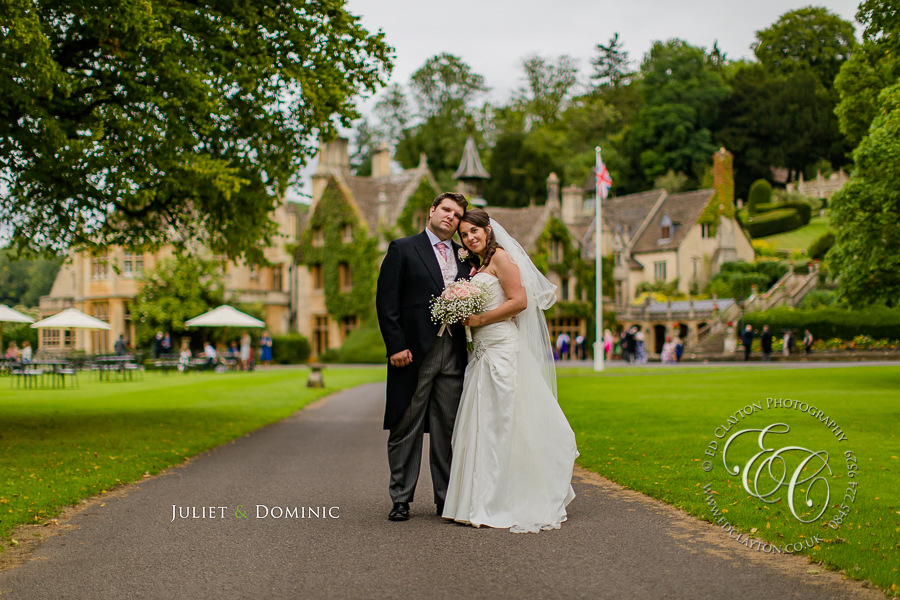 Documentary-Wedding_Photography-Manor-house-castle-coombe-001