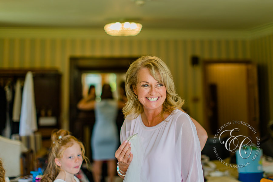 Documentary-Wedding_Photography-Manor-house-castle-coombe-003